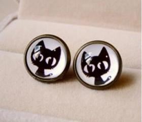 Small black cat cartoon time earrings